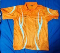 ソフトテニス部の中学2年男子です。中学生男子がこのテニスウェアを着てもいいですかね?