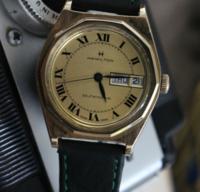 この腕時計の詳細分かりますか? いつ頃つくられた、何と言うモデルか知りたいです。