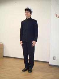 水産大学校と東京海洋大の制服はなぜ旧日本海軍の士官服や防衛大学校のようなホック留めの制服なんですか