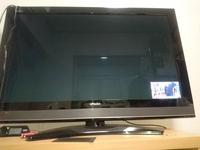 46インチのテレビの画面が  突然、右スミにワイプのように小さく  なりました。画面の戻し方を教えてください。  お願いします。