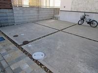 土間コンクリート目地について  施工していただいた後でなんだかコンクリート一色だと殺風景なのでデザイン目地を考えております 土間コンクリートの目地のカットの深さは通常どの程度なのでしょうか  コンク...