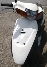 画像のスズキ50ccスクーターの車種を教えて いただけると助かります。 よろしくお願いします。