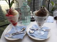 ストロベリーサンデーとチョコレートサンデー、どっちが良いですか?