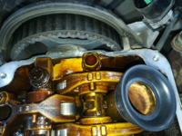 タイミングベルトの寿命の見極め方について 当方パジェロミニ H58A ノンターボに乗っています。11万キロオーバーの中古を格安で購入して自分で整備しているのですが、購入した時からタイミングベルトの交換履歴が...
