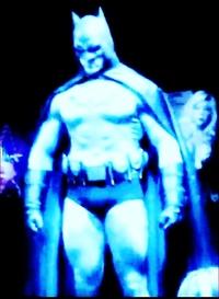バットマン俳優の中で、一番好きな人は誰ですか?? 1.アダム ウェスト 2.マイケル キートン 3.ヴァル キルマー 4.ジョージ クルーニー 5.クリスチャン ベール 6.ベン アフレック 7.ケヴィン ポーター (ファン フィルム) 8.クリストファー ステイプルトン (ファン フィルム) 写真は、身長196㎝、体重110キロgもある最も体格の大きいケヴィン ポーター。...