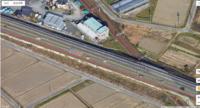 旧東海道と国道1号線の関係について質問します。   自分の認識では国道一号線(バイパス完成以前の旧線含む)は旧東海道の並行する感じで新たに建設された道路と思っていました。 実際、東海道が古い形状のま...