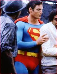 スーパーマンより強い超人は、いるのでしょうか??  いないですよね??