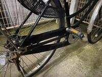 自転車のチェーンが外れてしまいました。 このタイプなんですけど、まずドライバーでネジ外した方がいいですよね??  チェーンの付け方は分かります。