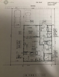 エアコン設置についてです。 洋室5.9帖に10畳用エアコン1台、LDK16.6帖に10畳用エアコン1台 にしようか、 LDKの真ん中に20畳用のエアコンを設置しようか迷っています。  エアコン本体や電 気代など考慮した...