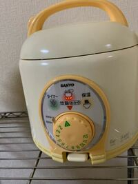 この炊飯器の使い方分かる方いませんか?>_< 三合炊きのもので、とりあえず一合炊きたいです。 1時間後に炊けるようにタイマーを設定したいです。