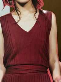 パーソナルカラーについて この服の色は、スプリング、サマー、オータム、ウィンター どのシーズンの色ですか?