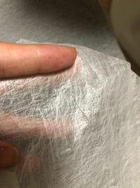 不織布に詳しい方教えてください。 フリマサイトで購入した為、何の不織布か全くわかりません。 作品を制作中で同じものが必要なのですが、何の不織布かわかる方いらっしゃいませんか? かなり薄いものです。
