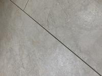 このタイプの床の黒ずみとべたつきの落とし方教えてください!