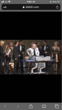 これは宝塚歌劇団の何の公演ですか? 海外のサイトで見つけまして スクショしました。 左にいるのが、望海風斗さんで 右にいるのが北翔海莉さんです