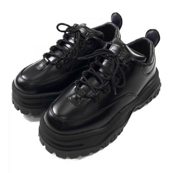 EYTYSでこの靴を買おうか迷っているのですが、重いでしょうか。前にEYTYSで買ったカプリというサンダルが結構重めだったので悩んでいます。