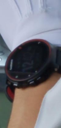 この腕時計のメーカー、型番分かる方いますか?