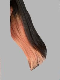 髪色についての質問です!  ブリーチ2回 ヘアマニキュアを使ってインナーカラーピンクにしており、色落ちして現在このような色になっています。 ※写真は自然光で撮りました。  バイトを始めるにあたり、派手な髪色がダメな所が多いので、内側の髪を外側の髪(地毛、黒髪)と同じくらいにしたいのですが、黒染めは髪への負担がすごいとよく聞くので避けたいです。 黒染めせずに、地毛に限りなく近付ける...