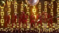 Bruno Marsと共に歌ったり演奏している方々の名前を分かりますか?