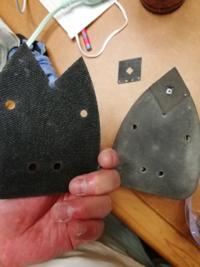 ブラックアンドデッカーマルチツールサンダーのマジックテープ部分が裏側から剥がれてしまいました。 ついていた接着剤が剥がれたと思われますが、自分でつける最適な接着剤はどのような物ですか?(熱で剥がれた...