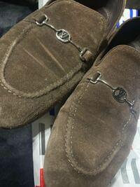 ルイヴィトンの靴なのですが、貰い物で靴の正式名称が分からず…良ければ教えていただけないでしょうか?