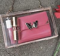 ANNA SUIの財布についての質問です!  InstagramでこのANNA SUIの財布の写真を見つけたのですが、公式のオンラインショップもどこの通販でも見つかりません。 とても欲しいのですが、どこか に売っていないで...