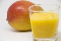 完熟マンゴーのジュース、おいしそうですか?