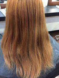 大学生でこんな感じの明るめの茶髪が似合わず、セミロングの暗めの茶髪や黒髪が似合う女の子の特徴はなんだと思いますか?