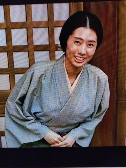 映画『清須会議』で 序盤、秀吉が丹羽たちに倣って織田信雄を連れ廊下を歩くシーンで 信雄が侍女?の美女に見惚れてコケる所で、微笑んでるこの役者さんのお名前分かる方いらっしゃったら教えて欲しいです!