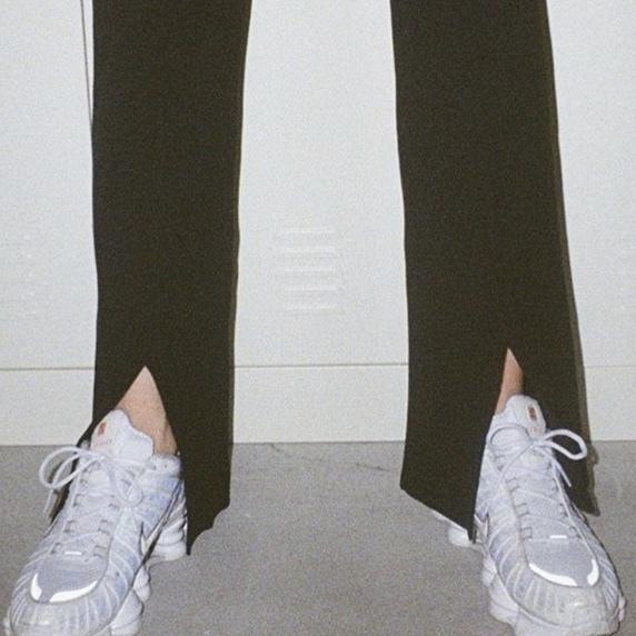 この靴なんという名前か分かりますか?