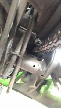 ニンジャ250rに乗ってのですが、ガソリンを入れた後にバイクの下のホースからガソリンが漏れてきたので心配です(^^;;(あとオイルも少しだけ漏れてます) もしかしたらガソリンパンパンに入れたからかもしれないですけど誰かわかる方が居たら教えくださいm(._.)m
