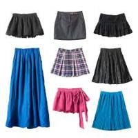 スカートをはかない女性社員に スカートで出社するよう口説いた。口説いてから2週間経過したのに 未だにスカートで出社してくれない。 . 何がまずかったのだろうか? . ちなみに口説き文句は「スカートなら君の美...