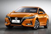 日産自動車や三菱自動車には海外では魅力的な車種が発売されていますが、何故に日本ではだらしない車種しか販売されないのでしょうか?
