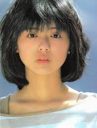 薬師丸ひろ子さんは歌手のイメージと 女優のイメージどちらが強いですか?
