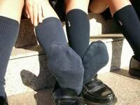 足 の 臭い 中学 女子