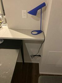 写真のキッチンカウンターに30センチ水槽おいても耐えれますか?