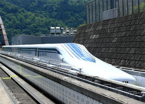 電車マニアに方々はこのデザインをどう思いますか? カッコいい?洗練されたデザイン?ダサい?奇抜?