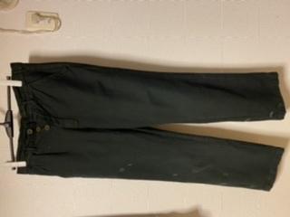 古着屋で買ったパンツなんですが、なんのパンツなのでしょうか。タグもなくボタンフライ、ポケットは3つ、ウエストにc46とあります。 軍パンでしょうか