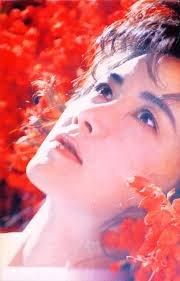 1992年リリースされた好きな曲を 教えて下さい(^^) 誰でも構いません! 「浅い眠り」 中島みゆきさん
