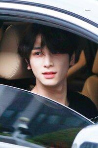 Twitterで流れてきたんですがこの人誰かわかる人いますか?  KーPOP 韓国 中国 俳優 韓流 アイドル