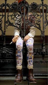 レオンでマチルダが履いているタイツのようなタイツが売っている所知っているかた教えてください!!