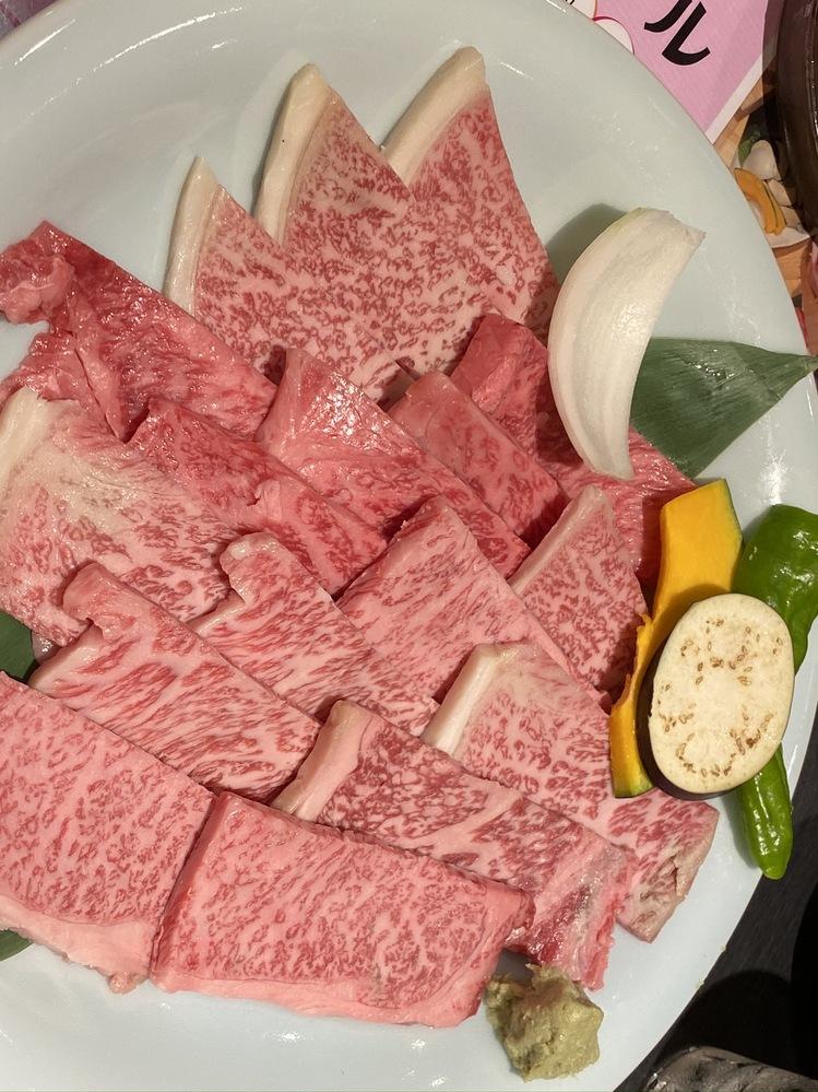 焼肉の部位に、かいのみとか、ざぶとんといった名前付けるのは日本だけ (それも黒毛和牛)だけですか? 輸入牛では呼ばないのですか? 画像はイメージです。