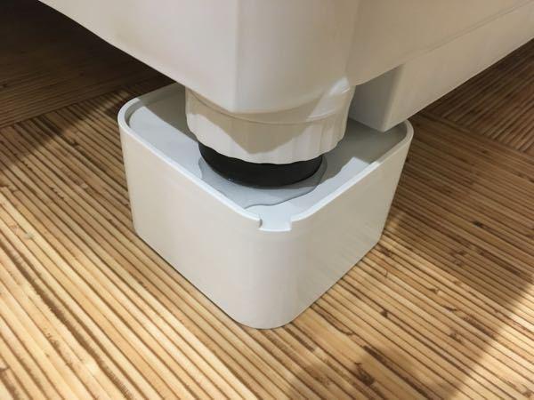 ドラム式洗濯機の水漏れについて パナソニックのドラム式洗濯機NA-VG700Rの左足に水漏れが発生しました。 この原因はどういったことが考えられますか? 購入して4年半なのですが、延長保証に入...
