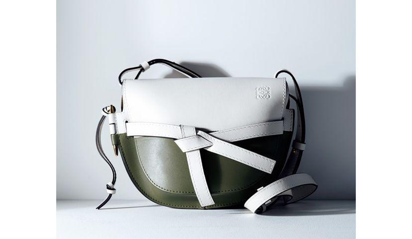 このバッグの年齢層はどのくらいでしょうか?