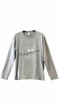 白石麻衣さんの卒業コンサートのグッズで写真のTシャツが販売されたと思うのですが、探してもなかなか見つかりません。これってどこで買えますか?それとももう販売されてない感じですか?わかる方いましたら教えて ください。