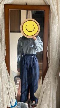 この服装変ですか? 作業着っぽいでしょうか…。