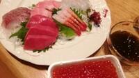 卓球飯。  今日は品川区に大会があったらしい。こんな日に手巻き寿司はあいますか?卓球