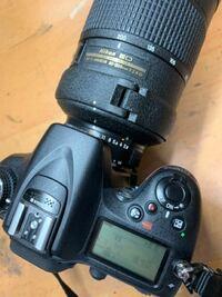 NikonのF値についてです。 D7100と祖父から譲り受けたAI AF-S Zoom Nikkor ED 80ー200mm F2.8D(IF)を使っているのですが、マウントに接続した際、fEEと点滅して表示されて、シャッターを切る事が出来ないのですが、(写真を参照。)  コマンドダイアルの設定から絞り値の設定方法を絞りリングにするとシャッターは切れる様にはなるのですが、レンズ側をF2.8に...
