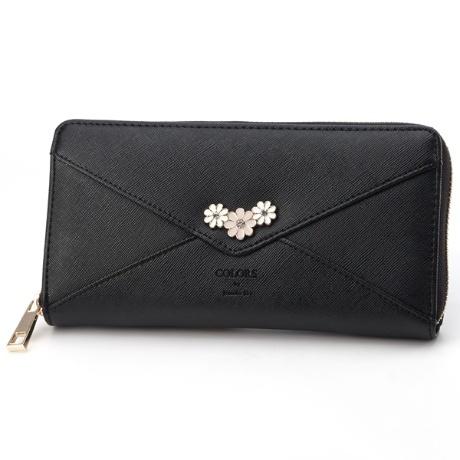 COLORS by jennifer skyさんのフラワー長財布を探しています。 財布の形や見た目などは画像のとおりです。 COLORS by jennifer skyさんのフラワー長財布を購入...