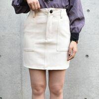 このミニスカートに合う冬服コーディネートを教えてください…。