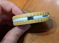 USBケーブルについてです。  トイカメラのUSBケーブルなのですが、この写真の差込口を見て、ケーブルの種類がわかる方いらっしゃいますか? 失くしてしまったので買い直したいのですが、説明書もなく困っています...